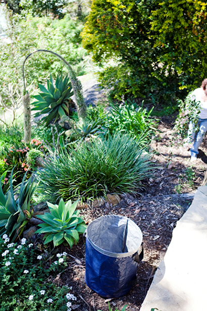 large-free-standing-garden-bag-australia